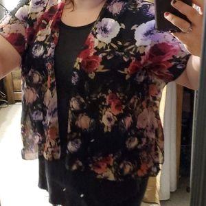 Rue21 Sweaters - Rue 21 Medium Sheet Floral Kimono Cover Up